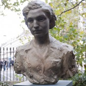 Bronze memorial to Noor Inayat Khan