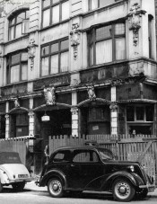 The Swan With Two Necks in the late 1950s